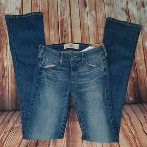 BNWT Hollister Boot Cut Distressed Jeans